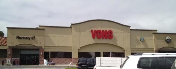 Vons 25th St Store Photo