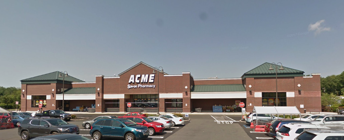 Acme Markets store front picture of store at 260 Dunns Mills Rd in Bordentown NJ