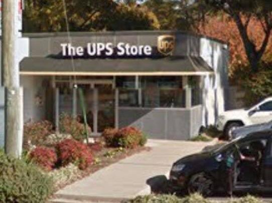 Facade of The UPS Store Virginia Beach