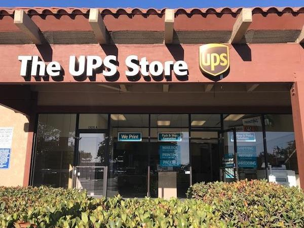Facade of The UPS Store Lompoc