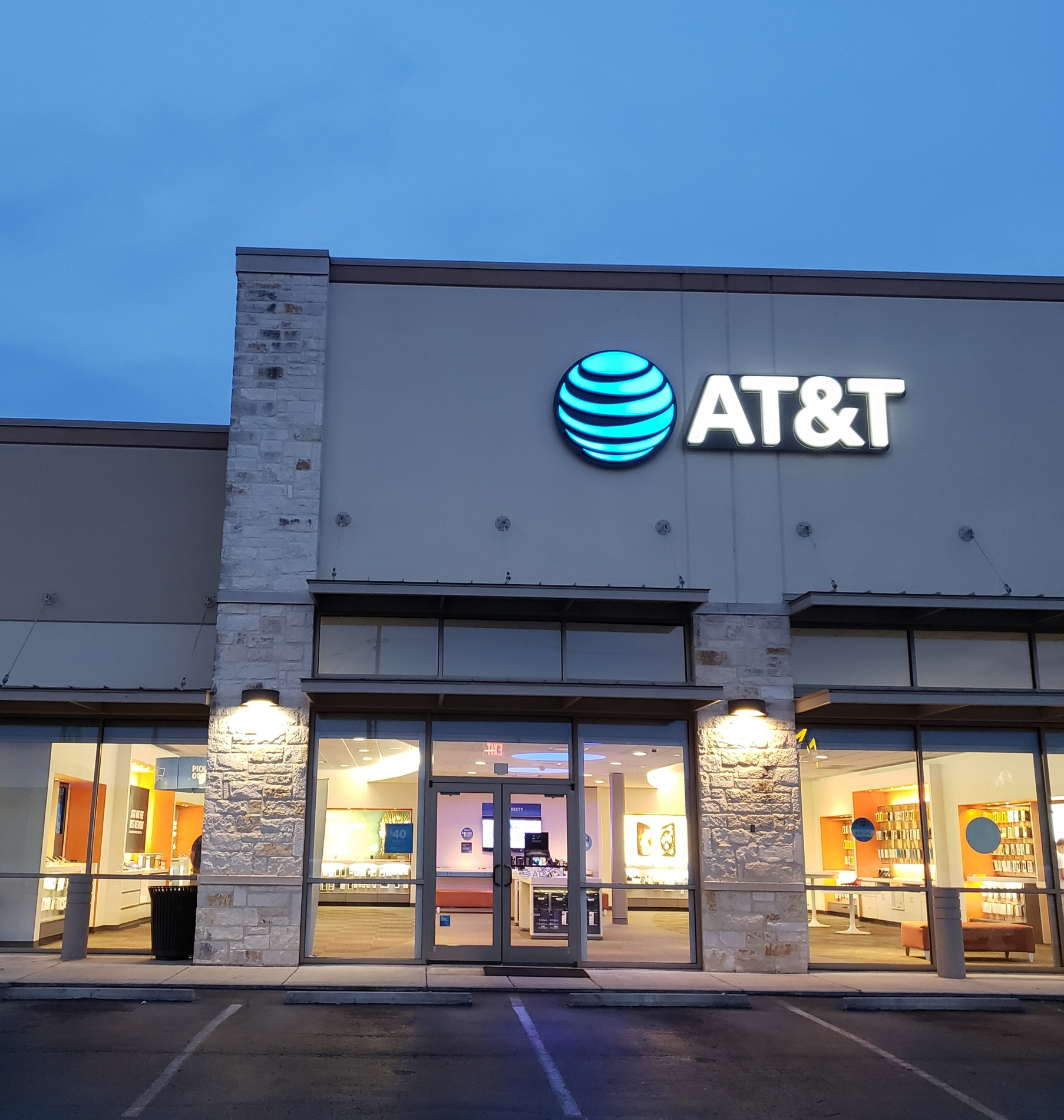 Creekside At New Braunfels Store Apple Iphone 12 And Samsung Devices New Braunfels Tx At T