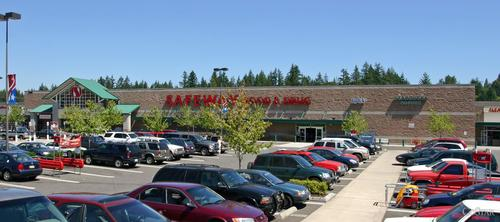 Safeway Store Front Picture at 26916 Maple Valley in Maple Valley WA