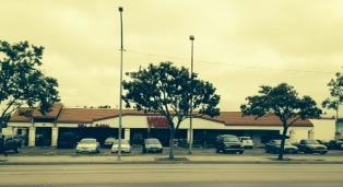 Vons Store Front Picture at 817 E Main St in Santa Maria CA