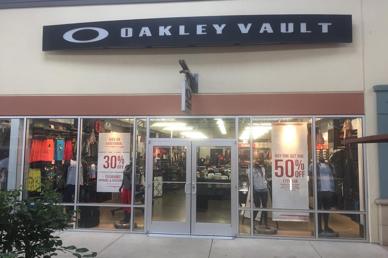 19221ff5b4 Oakley Vault in 822 Premium Outlets Dr Monroe
