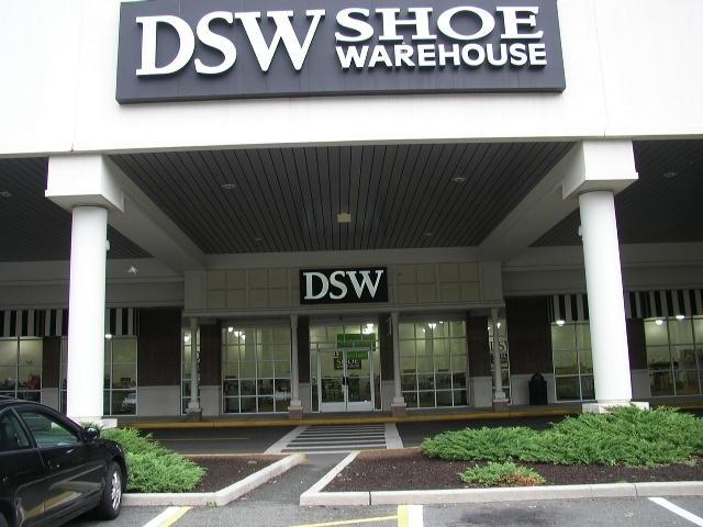 Designer shoe warehouse hours