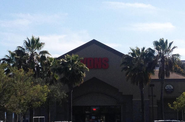 Vons Store Front Picture at 500 E Manchester Blvd in Inglewood CA