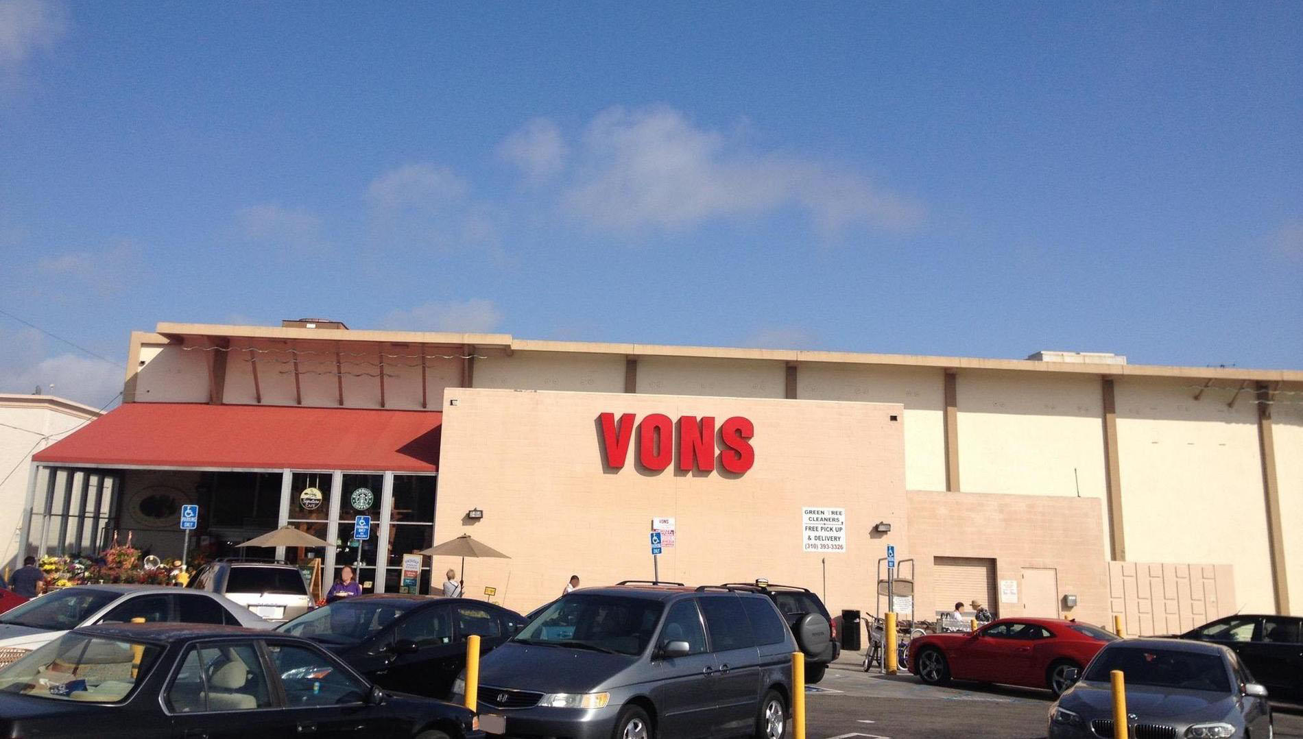 Vons Store Front Picture at 1311 Wilshire Blvd in Santa Monica