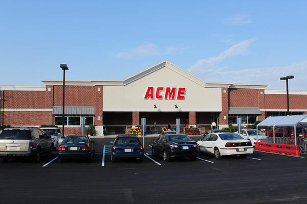 Acme Markets store front picture of store at 601 W Lancaster Ave in Bryn Mawr PA