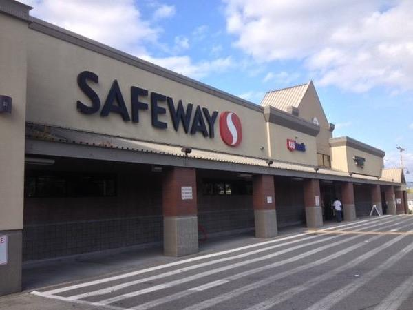 Safeway Store Front Picture at 9262 Rainier Ave S in Seattle WA