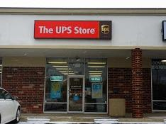 Exterior storefront image of The UPS Store #6488 in Lyndhurst, OH