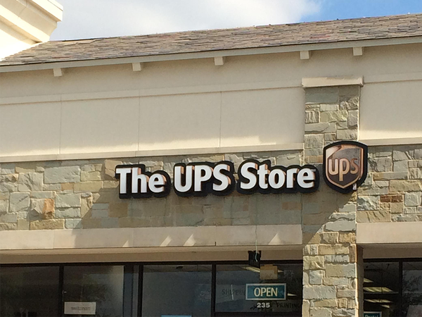front of the ups store at 3245 main st