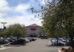 Vons Grand Ave Store Photo