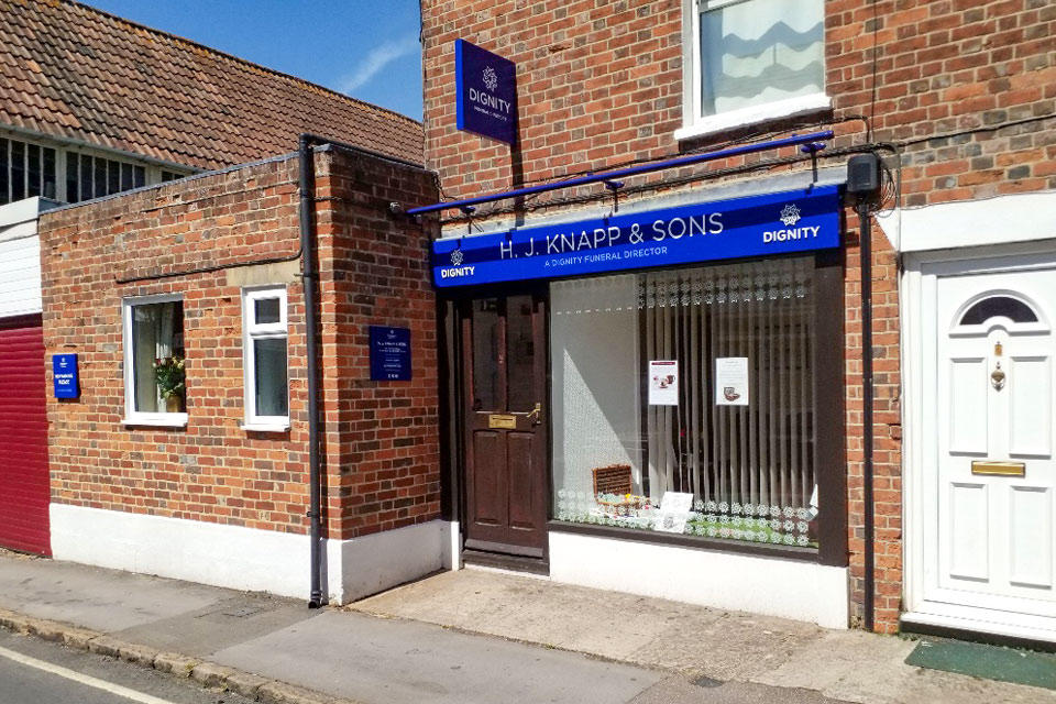 H. J. Knapp & Sons Funeral Directors in Wantage, Oxfordshire.