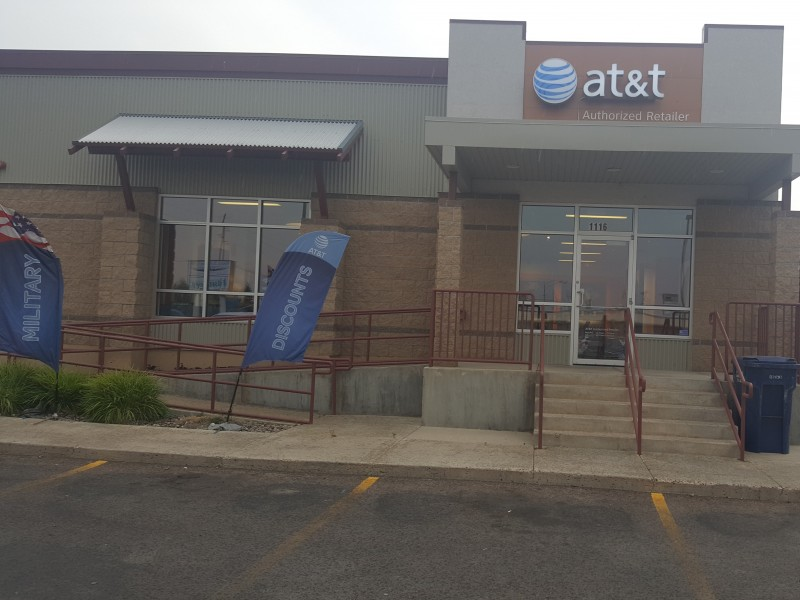AT&T Store - Holiday Village - Great Falls, MT – iPhone & Samsung Deals!