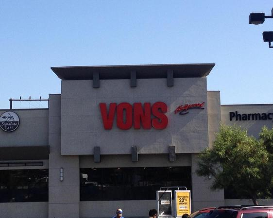 Vons At 4520 Sunset Blvd Los Angeles CA