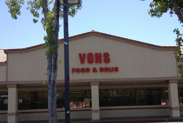 Vons Pharmacy Avenida De Los Arboles Store Photo