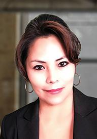 Elizabeth Tapia Loan officer headshot