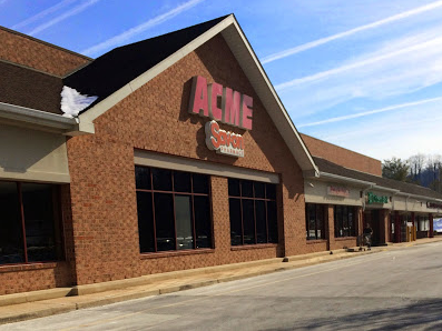 Acme Markets store front picture of store at 3951 Lincoln Hwy in Downingtown PA