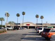 Vons Store Front Picture at 5922 Edinger Ave in Huntington Beach CA