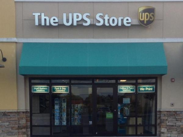 Facade of The UPS Store Panama City Beach