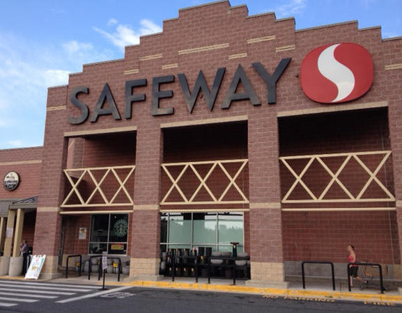 Safeway Store Front Picture at 2610 Boston St in Baltimore MD