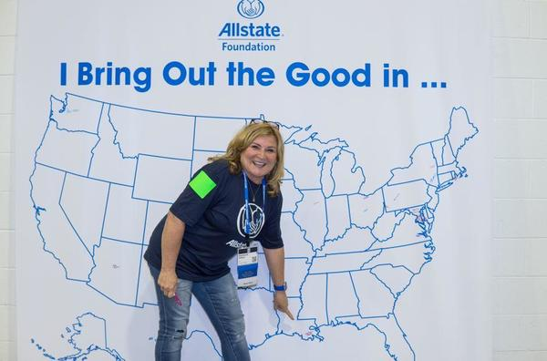 Stephanie Hebert - Allstate Foundation Helping Hands in the Community