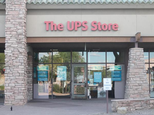 Facade of The UPS Store Scottsdale