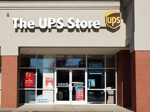 Facade of The UPS Store Clarksville
