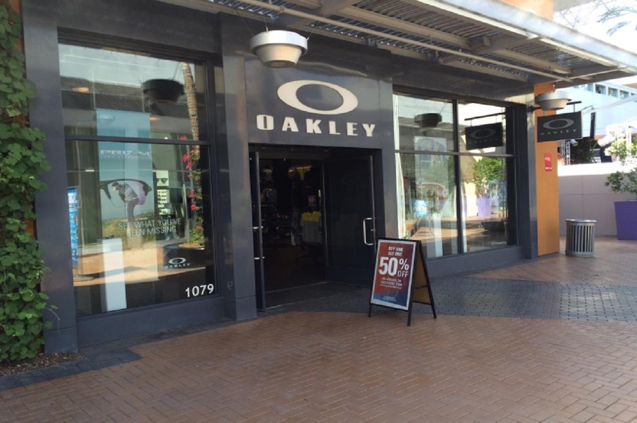 b25bbc4df2 Oakley Store in 2000 E Rio Salado Pkwy Tempe