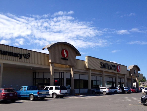 Safeway Store Front Picture at 121 W Walnut St in Newport WA