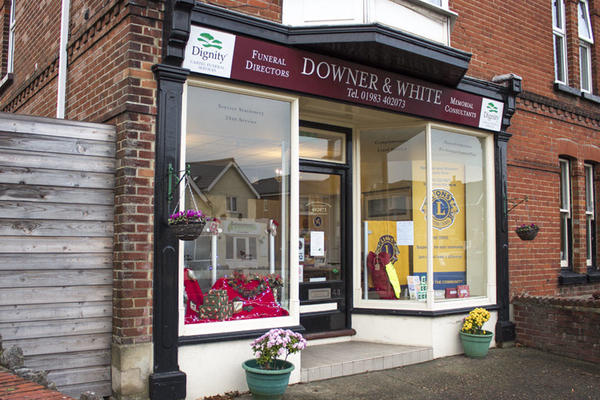 Downer & White Funeral Directors in Lake, Sandown