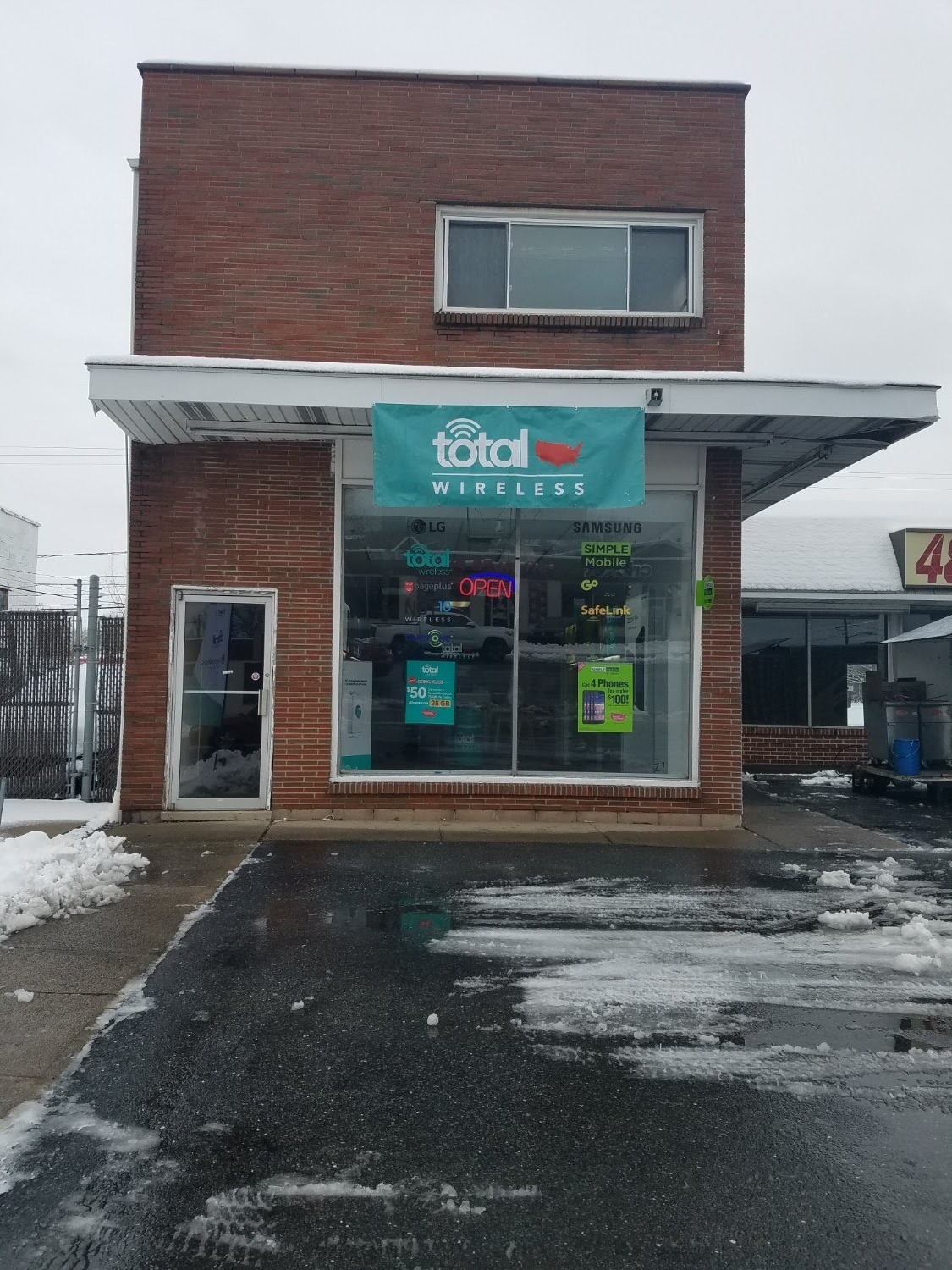 Total Wireless Store front image in Allentown,  PA
