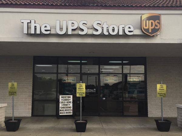 Facade of The UPS Store Joplin
