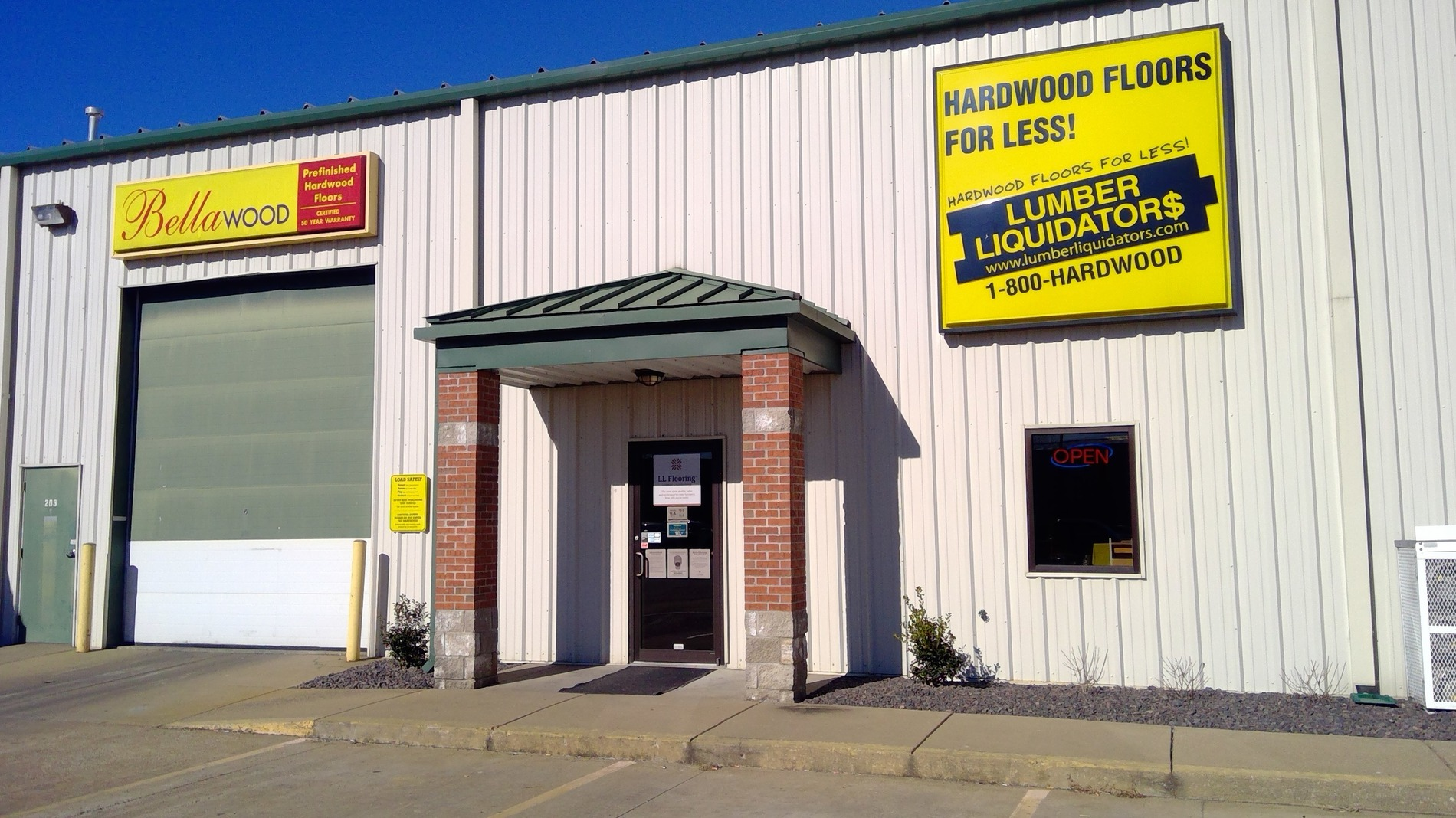 LL Flooring #1166 Evansville | 1200 North Willow Road | Storefront