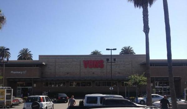 Vons Pharmacy Broadway Store Photo