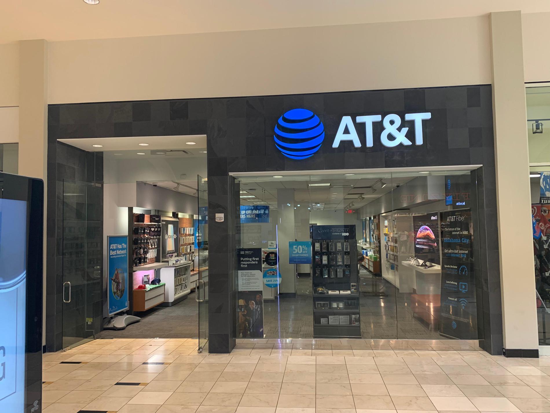 AT&T Store - Penn Square Mall - Oklahoma City, OK