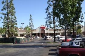 Vons Store Front Picture at 2684 N Tustin Ave in Orange CA