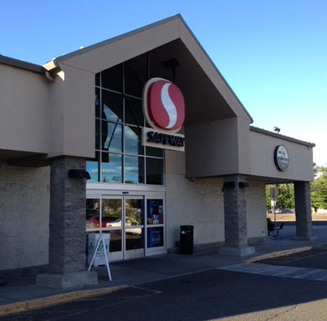 Safeway Store Front Picture at 455 N Columbia St in Milton Freewater OR