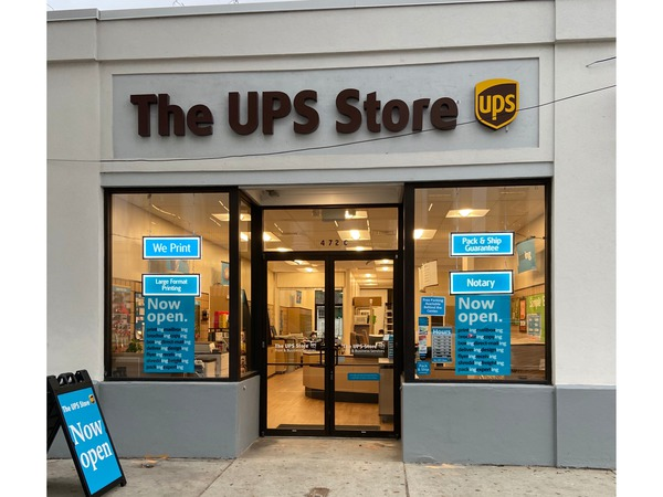 Facade of The UPS Store Charleston