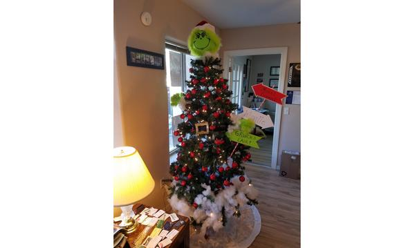 Grinch Themed Christmas Tree