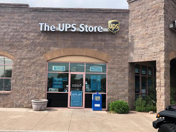 Exterior storefront image of The UPS Store #2060 in Phoenix, AZ
