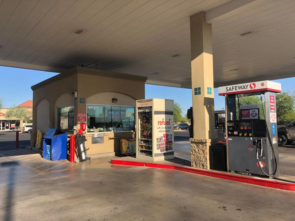 Safeway Fuel Station Store Front Picture - 1637 N Trekell Rd in Casa Grande AZ