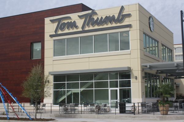 Tom Thumb Store Front Picture at 2400 W 7th St in Fort Worth TX