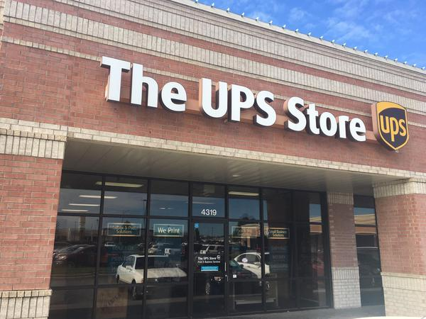 exterior storefront to The UPS Store 4068 in Springfield, MO