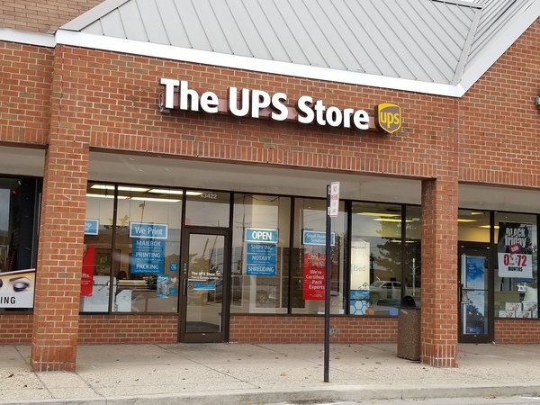 Facade of The UPS Store Novi