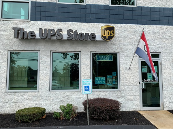 Facade of The UPS Store Bristol