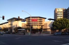 Vons Store Front Picture at 600 E Broadway in Long Beach CA