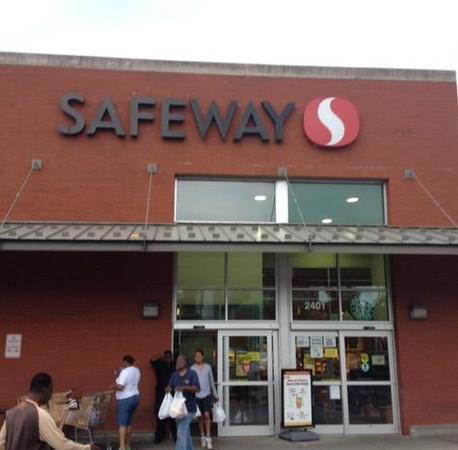 Safeway Store Front Picture at 2401 N Charles St in Baltimore MD