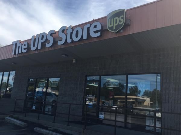 Facade of The UPS Store Springfield