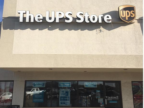 Facade of The UPS Store Columbia